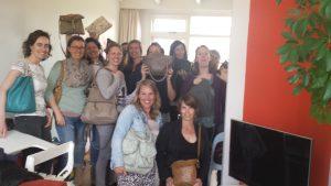 vrijgezellenfeestje met damestasjeslezen