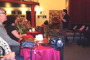 lezing damestasjeslezen theater Arnhem